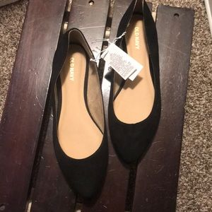 NWT- Old navy size 6 black flats